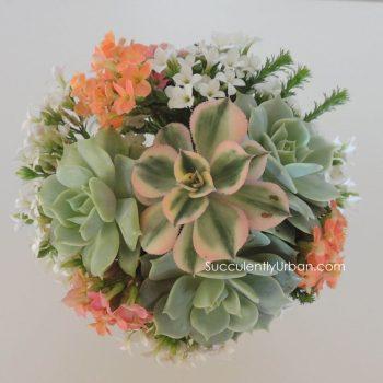 succulent-bouquet-peach