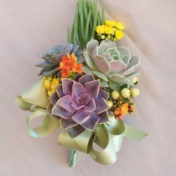 succulent-bouquet-graduation_01b